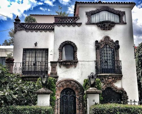 Colonial_California_house_in_colonia_Nápoles,_Mexico_City